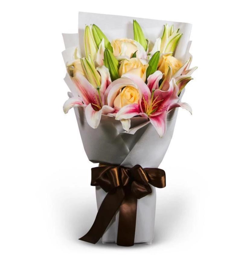 flower chimp lily bouquet