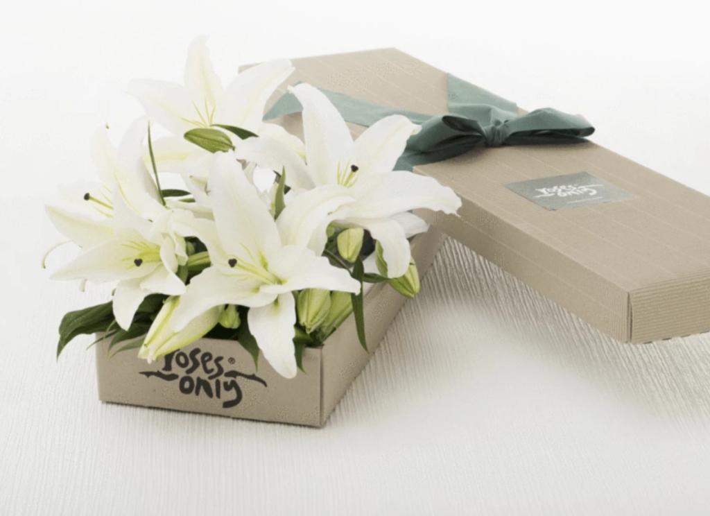 rosesonly lily box