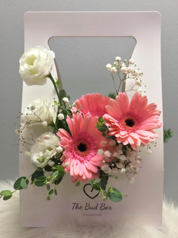 14 Oct - flowers in a box, bloombox - pink daisy bouquet box